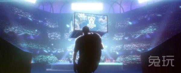 盖伦的背影与mv开场的选手背影渐渐融为一体,这位选手承接着观众们的